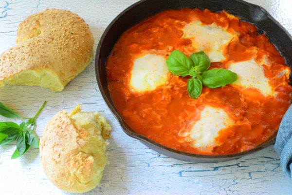 Eggs in Purgatory (Tomato Sauce)